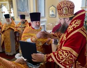 В среду Светлой седмицы митрополит Серафим совершил Литургию в Покровском архиерейском соборе города Пензы