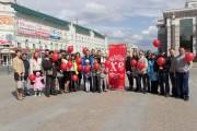 Православная молодежь Пензенской епархии провела пасхальную акцию по раздаче праздничных листовок и воздушных шаров